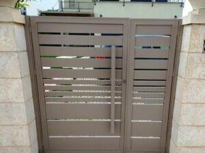 Ворота, заборы и калитки из алюминия в Израиле